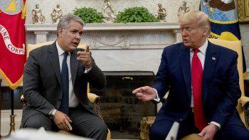 El presidente Donald Trump se reúne con su contraparte colombiana Iván Duque en la Oficina Oval de la Casa Blanca, en Washington, el lunes 2 de marzo de 2020.