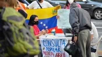 Los venezolanos que viven en Estados Unidos y que no participaron a través de las aplicaciones podrán hacerlo este sábado en los puestos que se han colocado en diferentes ciudades para tal fin.