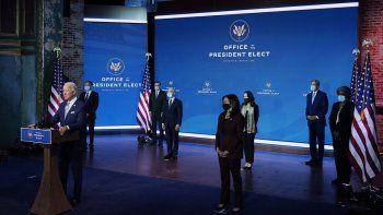 El presidente electo Joe Biden y la vicepresidenta electa Kamala Harris presentan sus nominados y designados para cargos clave en seguridad nacional y política exterior en el teatro Queen en Wilmington, Delaware, el martes 24 de noviembre de 2020.