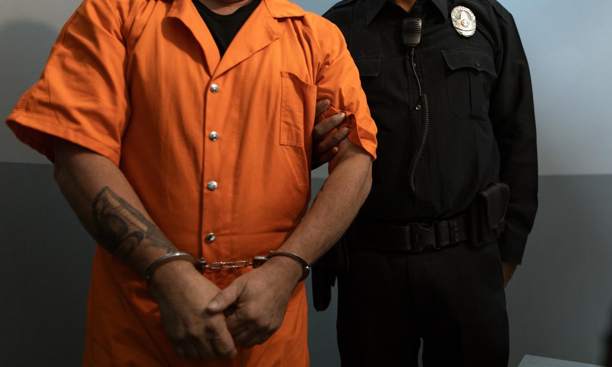 Hombre prefiere la prisión al arresto domiciliario, por su esposa (Imagen referencial)