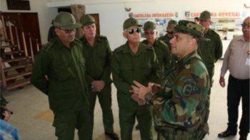 Solá, que viajó junto a otros oficiales y especialistas en defensa estratégica territorial cubanos, fue recibido en La Orchila, base militar de la Armada Bolivariana.