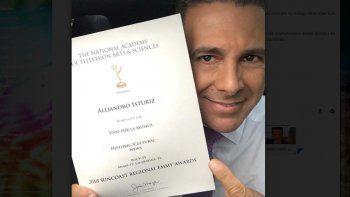 En su cuenta de Instagram, el comunicador de Telemundo 51 expresó su alegría con una imagen acompañada del texto: Muchas gracias. Siempre un honor tener el reconocimiento de nuestros colegas
