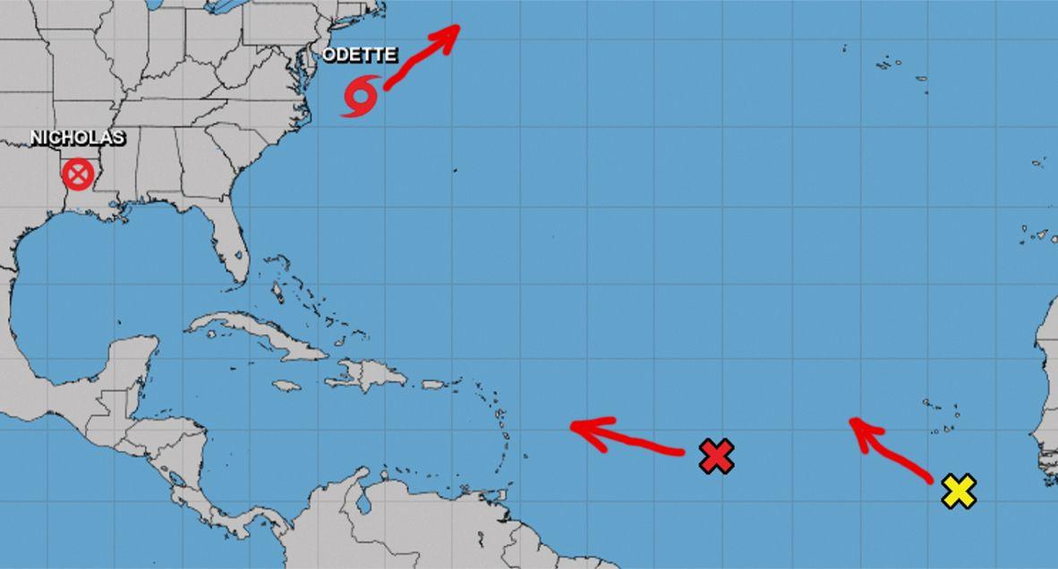 Localización y proyección de movimiento de tormenta tropical Odette y dos zonas de mal tiempo, 17 de sept de 2021.