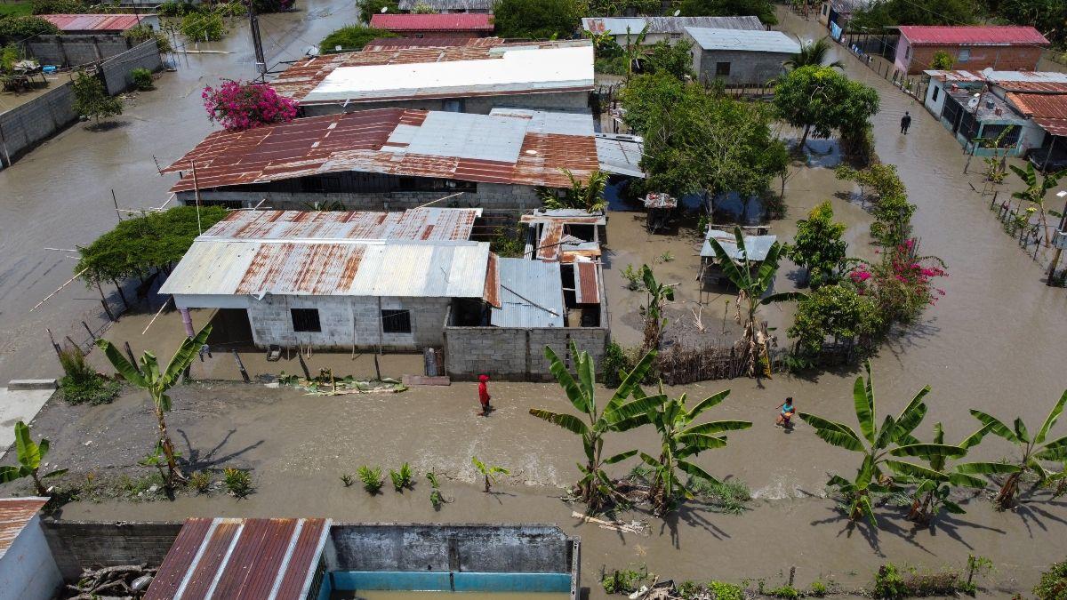 Vista aérea de fincas y casas inundadas en La Fortuna, estado Zulia, Venezuela