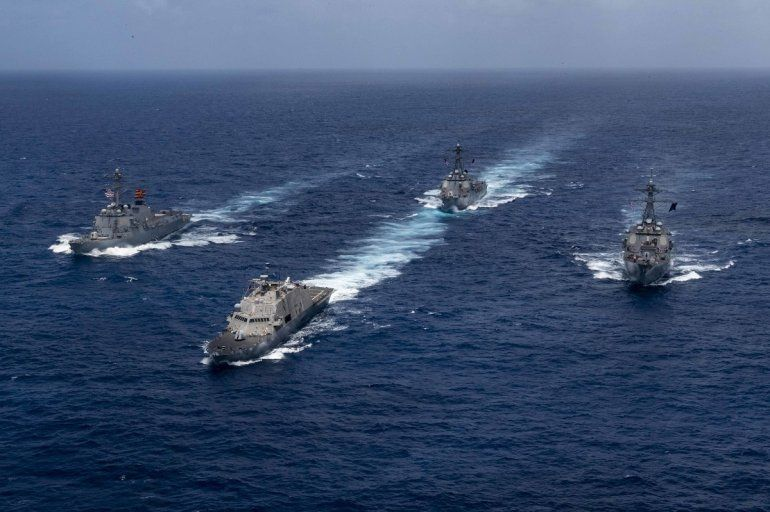 Las naves de guerra USS Detroit