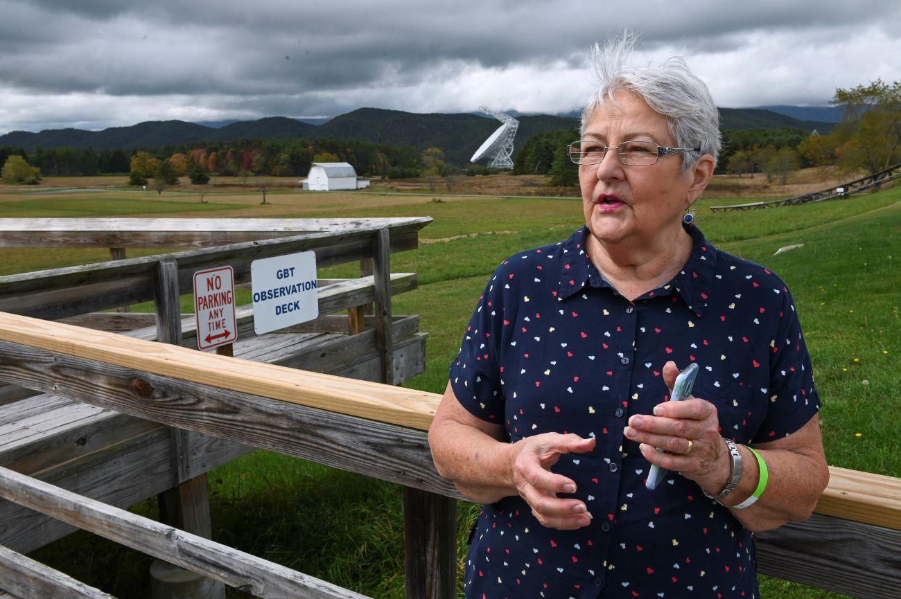 Nancy Showalter, una turista que vino a visitar el observatorio en Green Bank, West Virginia.