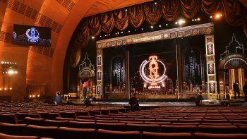 Una vista del escenario previo al comienzo de la 73a entrega de los Premios Tony en el Radio City Music Hall de Broadway, en Nueva York, el 9 de junio de 2019.