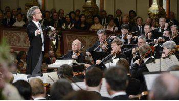 La Filarmónica de Viena enviará el viernes próximo, bajo la batuta del letón Mariss Jansons, energía positiva para el año 2016 en su tradicional Concierto de Año Nuevo (EF