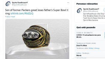 De acuerdo con Mike Kostelnik, durante un viaje que realizó entre Indiana y Ohio para visitar a sus hijas extravió el anillo del Super Bowl II que ganó su padre en 1968.