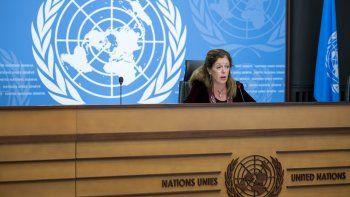 Stephanie Williams, representante especial interina del secretario general y jefa de la misión de apoyo de la ONU en Libia, habla sobre una sesión de la Comisión Militar Conjunta Libia, en una conferencia de prensa en la sede europea de la ONU, en Ginebra, Suiza, el 21 de octubre de 2020.