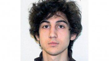 En esta foto difundida el 19 de abril de 2013 por el FBI se ve a Dzhokhar Tsarnaev, quien fue condenado a muerte por el ataque con explosivos contra el maratón de Boston de 2013, el cual mató a 3 personas y lesionó a más de 260. Una corte federal de apelaciones anuló su sentencia el viernes 31 de julio de 2020.