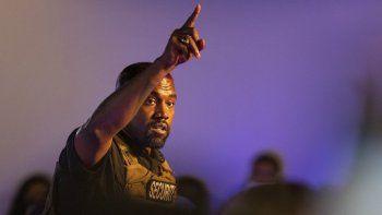Kanye West hace su primera aparición en la campaña presidencial, el domingo 19 de julio de 2020 en North Charleston, SC. El rapero demanda a laoficina del secretario de estado deVirginiaOccidental.