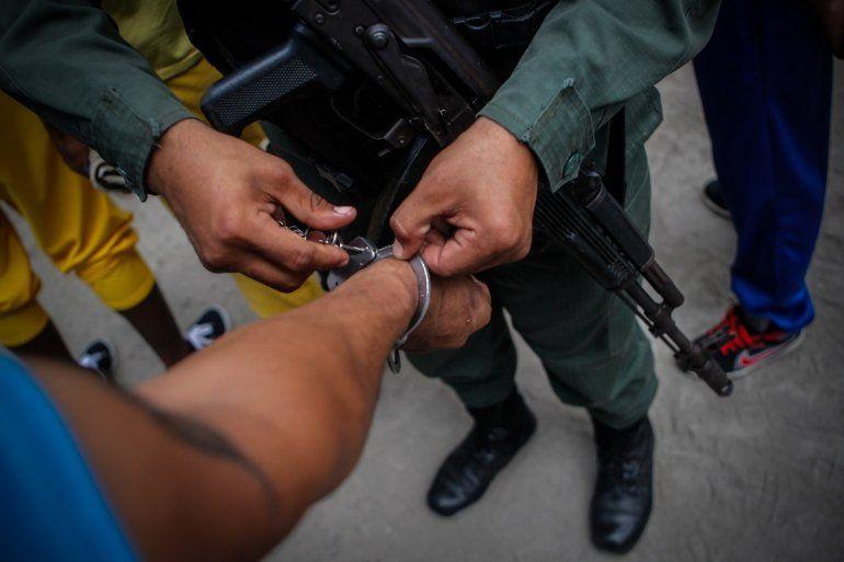 Entre los casos denunciados al tribunal de La Haya (Holanda) está el de los 14 agentes de la Policía de Chacao detenidos a mediados del año pasado