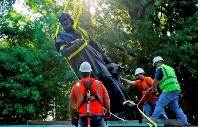Una estatua de Cristobal Colón